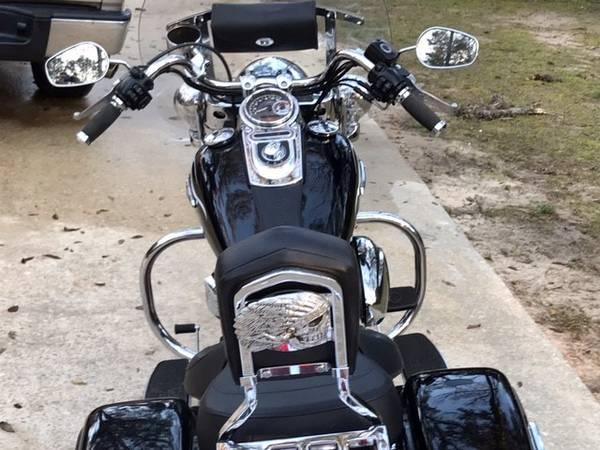 Photo 2012 Harley Switchback - $8,995 (Tallahassee)