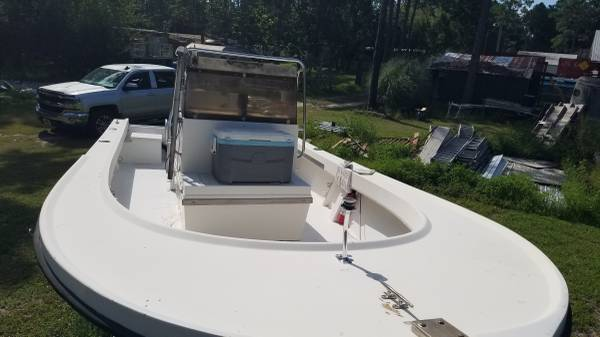 Photo 21 ft parker center console w 200hp etec outboard - $10,000 (Eastpoint)