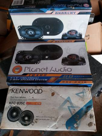 Photo 2 pair of Planet audio 4x6 2way speakers New in box Will trade. - $140 (Mexico Beach)
