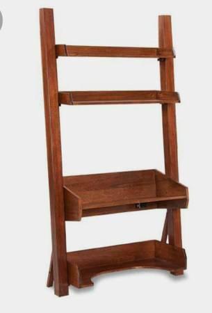 Photo 3 piece Leaning ladder desk - $350 (Marianna)