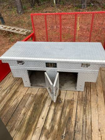Photo Aluminum dog box - $275