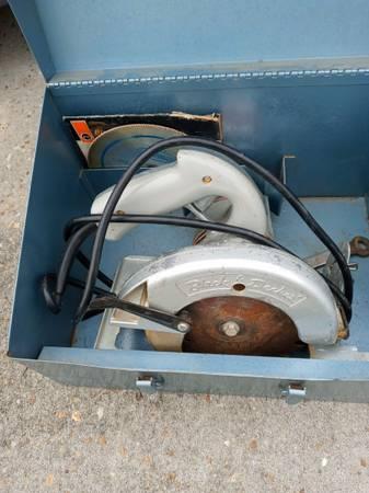 Photo BLACK  DECKER 6.5quot ALL METAL 9 AMP. CIRCULAR SAW - $35 (Lynn Haven)