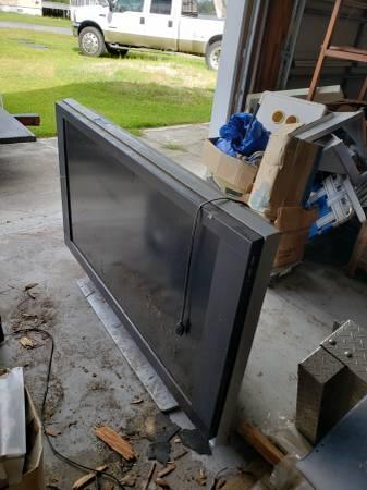 Photo Flat screen tv 50 inch - $50 (Southport)
