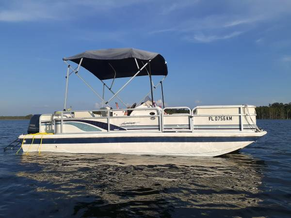 Photo Hurricane Deck Boat with 115 Yamaha 4-Stroke - $13,500 (Sunny Hills Panama City)