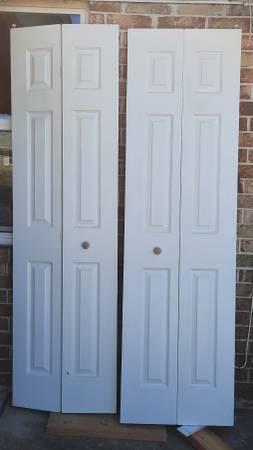 Photo Interior bi-fold closet door slabs 24X80 - $45 (Panama City)