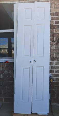 Photo Interior closet door solid wood slabs with hinges 24X80 - $75 (Panama City)