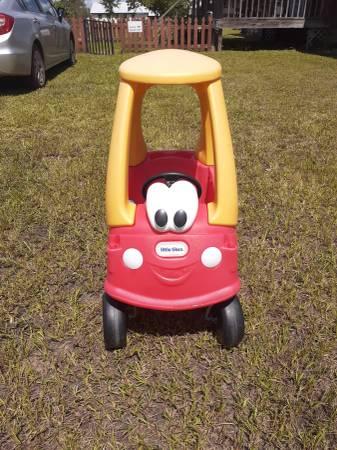 Photo Little Tikes Cozy Coupe - $25 (PANAMA CITY)