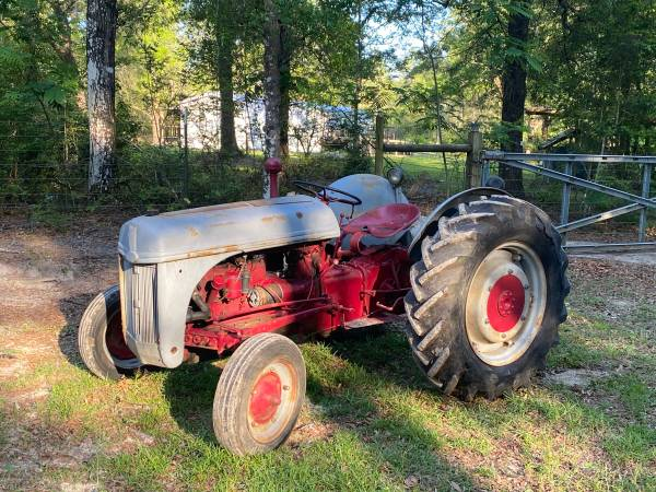 Photo SOLD 1947 Ford Tractor 8N SOLD - $999,999,999,999 (Ebro)