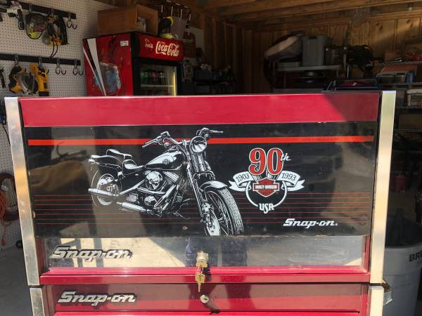 Photo Snap on Harley Davidson and blue point tool box - $550 (Pcb)