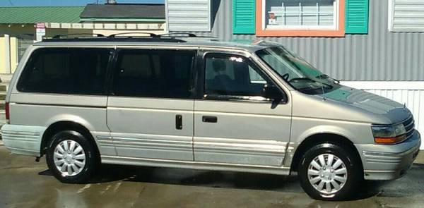 Photo Van 1994 Plymouth Voyager Grand LE Runs Great - $2900 (Panama City Beach)