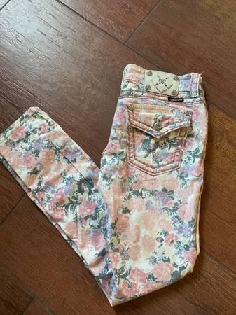 Photo Womens Miss Me Jeans - $30 (Panama City beach)