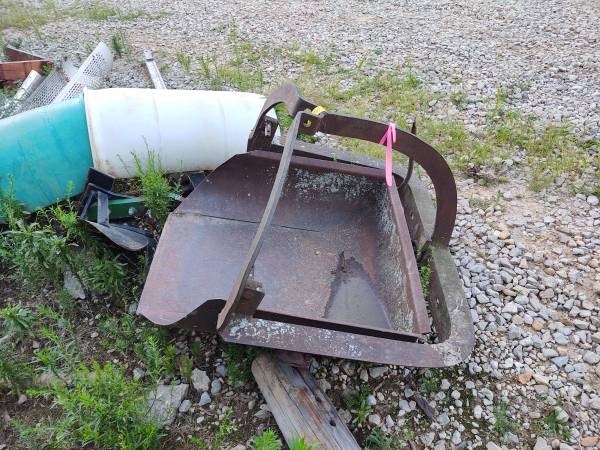 Photo 3pt dirt scoop - $150 (Williamstown)