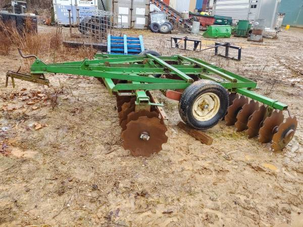 Photo Chisel plow and transport disc package - $2500 (Williamstown)