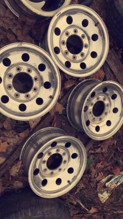 Photo Ford F250 8 lug aluminium rims