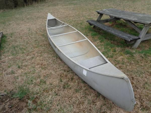 Photo Grumman Aluminum Canoe - $250 (Harrisville, WV)