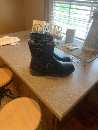 Photo Mens Harley Boots Size 13 - $35 (Dresden)