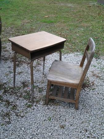 Photo old wooden school chair with metal desk - $30 (Wayne)