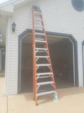 Photo 12 ft step ladder - $150 (Harrisburg)
