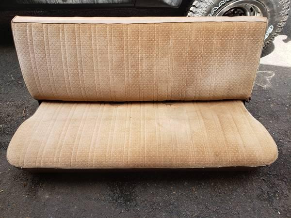 Photo 1986 Chevy K10 Bench Seat - $150 (Boalsburg)