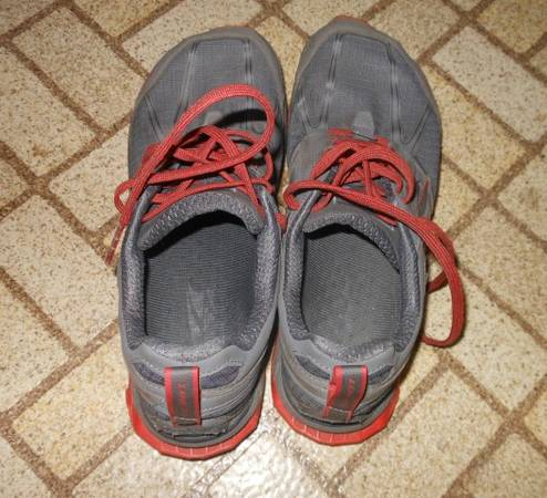 Photo Altra Zero-Drop running shoes - $25 (State College)