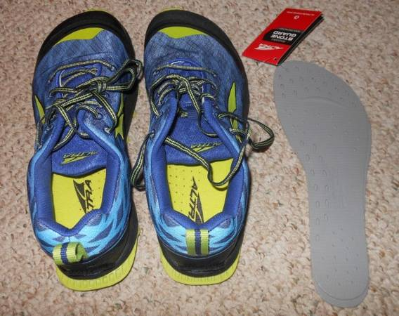 Photo Altra Zero-Drop running shoes - $60 (State College)