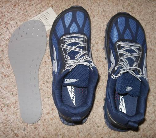 Photo Altra Zero-Drop running shoes - $85 (State College)