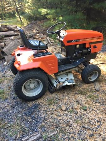 Photo Ariens GT -14 riding mower tractor- with manual - $695 (Lewistown PA)