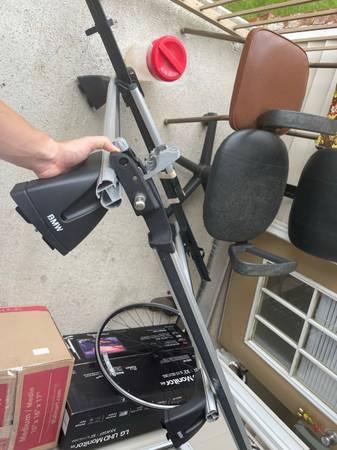 Photo BMW roof rack for E90 E92 3 series and Thule bike racks - $350 (State College)