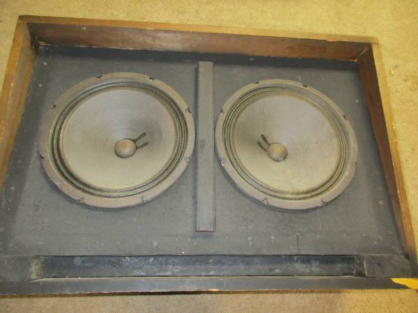 Photo Bass Cabinet w2 x 12quot CTS Speakers - $140 (Stormstown)