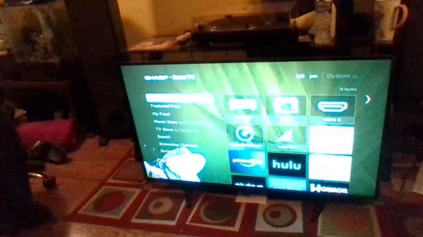 Photo Best Buy Sharp 43quot Class LED 1080p Smart HDTV Roku TV - $100 (State College)