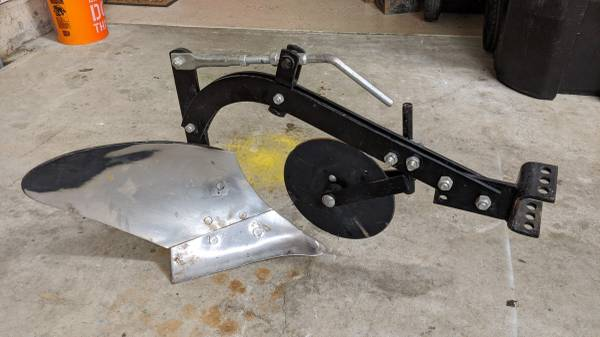 Photo Brinly 10quot Sleeve Hitch Plow for Garden Tractors - $175 (Mullica Hill)