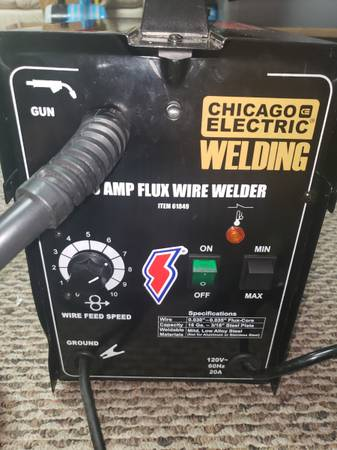 Photo Chicago Electric Welder - $35 (Milroy)