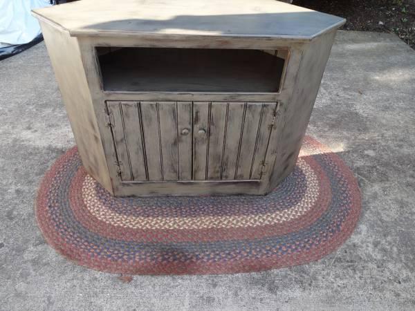 Photo Corner stand - $50 (Yeagertown)
