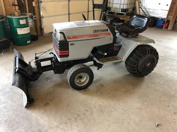 Photo Craftsman GT 6speed 18hp 44quotGarden Tractor - $550