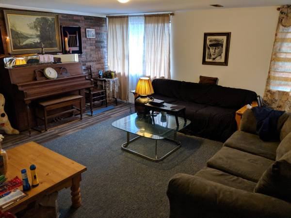 Photo Fully Furnished Month to Month utilities includes (State College)