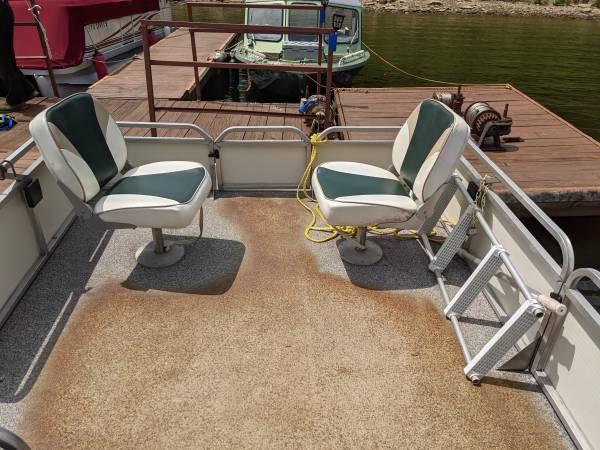 Photo Gilgetter Pontoon Boat for Sale - $7,500 (Tionesta)