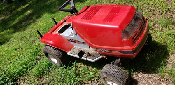 Photo Huskee riding mower parts (York Springs)