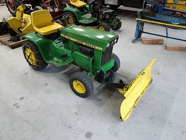 Photo John Deere 112 wElectric lift, deck, snow plow, and snow thrower - $1,500 (Southern York County)