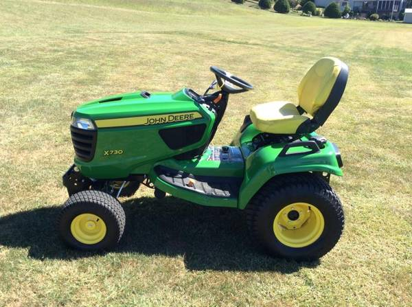 Photo John Deere X730 2WD Heavy Duty Garden Tractors - $6000 (Bomberger39s)
