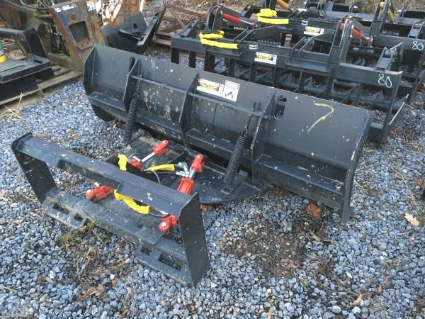 Photo NEW 739(84quot) SKID STEER SNOW PLOW, UNIVERSAL QUICK ATTACH - $1,600 (Beech Creek)
