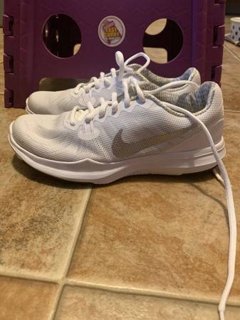 Photo Nike womens trainers - $10