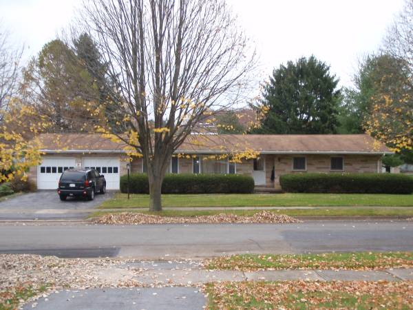 Photo Ranch Style Home in State College (State College Borough -- Highlands)