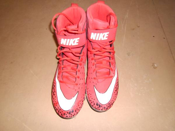 Photo Red Nike Football Clets - $10 (Bellefonte)