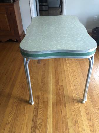 Photo Retro Formica Table - $200 (State College)