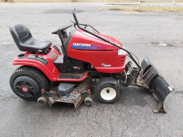 Photo Sears craftsman garden tractor 50quotmower snow blade - $950 (Dubois)