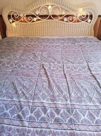 Photo White wicker bedroom set - $650 (Bush Hollow Rd, Julian, Pa)