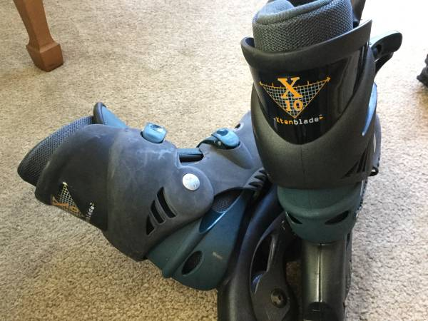 Photo Youth Roller Blades Xten Blade - $20 (State College)