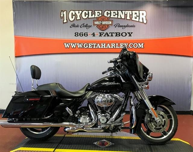 Photo 2011 Harley-Davidson Street Glide $13999