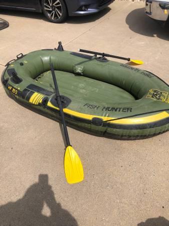 Photo blow up boat - $50 (olanta)