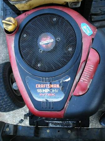 Photo 18 Hp Briggs and Stratton Engine.. Great condition - $250 (Pace)